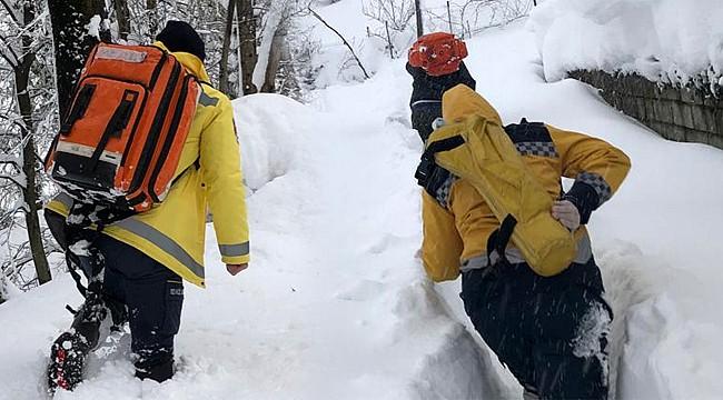 Rize'de kar engeli 825 hastaya ulaşmak için aşıldı