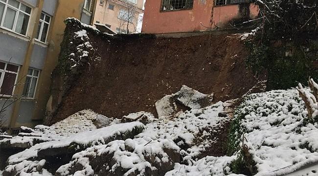 Rize'de toprak kaydı: 2 ev hasar gördü