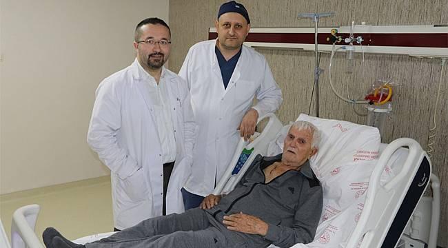 87 yaşındaki hasta Rize'de sağlığına kavuştu