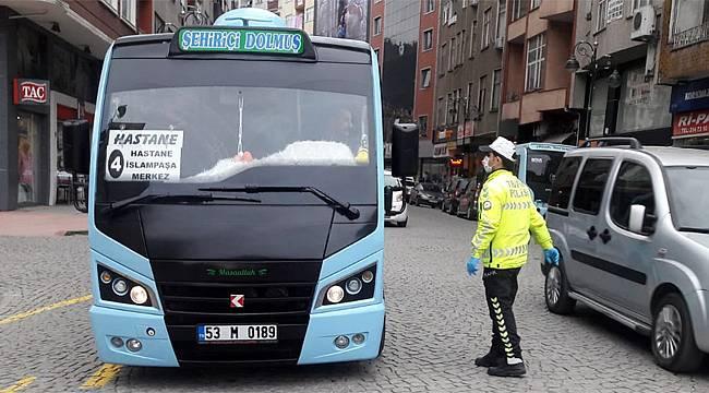 Rize'de dolmuş ve halk otobüslerine koronavirüs denetimi