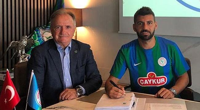 Selim Ay Çaykur Rizespor'a imzayı attı