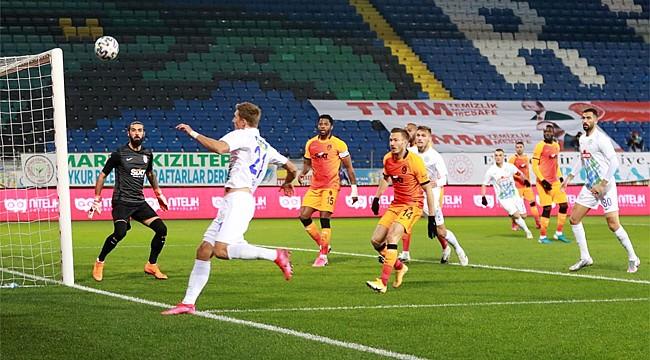 Çaykur Rizespor, Galatasaray'a karşı farklı mağlup oldu