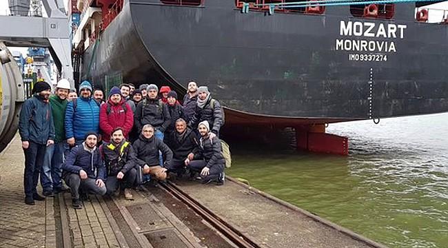 Türk gemisi korsanlarca kaçırıldı: 3 personel Rizeli