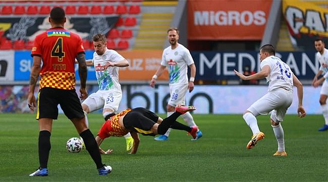 Çaykur Rizespor, Bülent Uygun ile ilk mağlubiyetini aldı