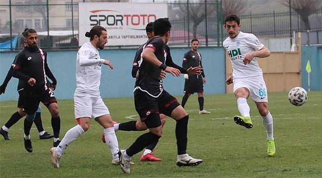 Pazarspor 2 kez öne geçtiği maçın uzatmalarında yenildi