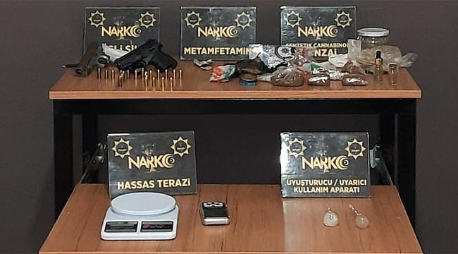 Rize'de 2 adrese uyuşturucu operasyonu: 3 kişi tutuklandı