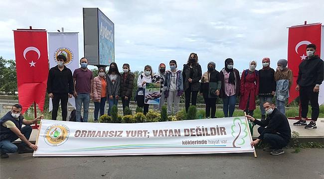 """RTEÜ öğrencilerinden """"Dağ Yeşil, Deniz Mavi Kalsın"""" etkinliği"""