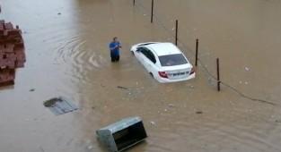 Pazar ilçesi sular altında kaldı