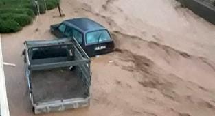 Rize'de selde mahsur kalanlara ulaşılmaya çalışılıyor