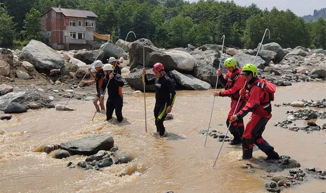 Rize'deki selde kaybolan 2 vatandaş 244 personelle aranıyor