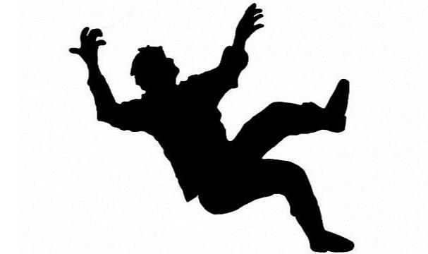 Rize'de alkollü kişi 5. kattan düştü