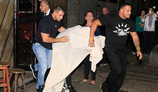 Justin Bieber genelevden çıkarken yakalandı